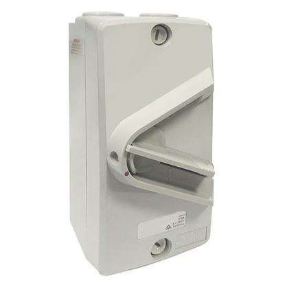 Picture of TRADESAVE Weatherproof Isolator Switch,3 Pole, IP66, 63A, Grey