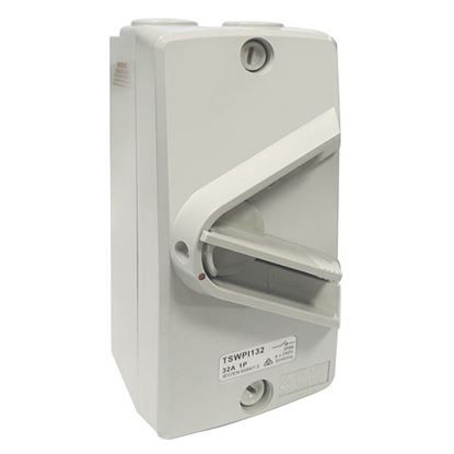 Picture of TRADESAVE Weatherproof Isolator Switch,3 Pole, IP66, 32A, Grey